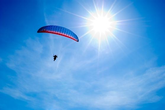 טייס ליום אחד על מצנח רחיפה - חוויה מהחלומות שלך